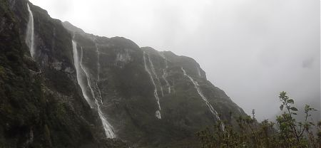 Clinton Valley waterfalls | Milford Track, Fiordland National Park