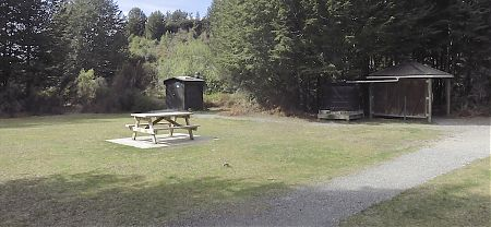 More for day trippers I guess. | Rainbow Reach shelter, Kepler Track