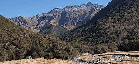 Bobs Hut under Mt Maling, 2127m, in Nelson Lakes National Park