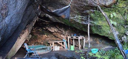 Doughboy cave, Southern Circuit, Stewart Island