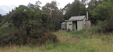 Just another four bunk hut.   McConchies Hut, Matiri River, Kahurangi National Park