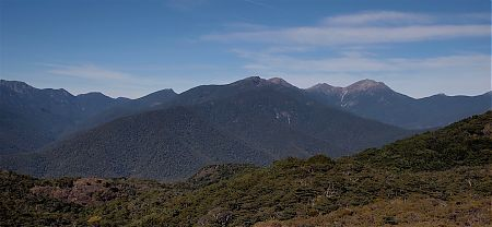 The long ridge to Mt Richmond. From right Mt Richmond, Johnson Peak, Mt Fell and Point 1496.   Mt Richmond route, Mt Richmond Forest Park