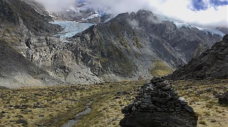 The Hesse and Marshall Glaciers on the way up to the Cascade Saddle. | daytrip from the Rees-Dart Track, Mt Aspiring National Park