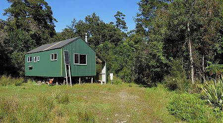 Barn Bay/Hope River private hut | Cascade to Martins Bay coast route, South Westland