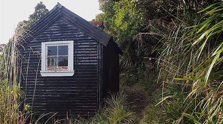 Croesus Top Hut was built in the 1930s. | Croesus Top Hut, Croesus Track, Westland