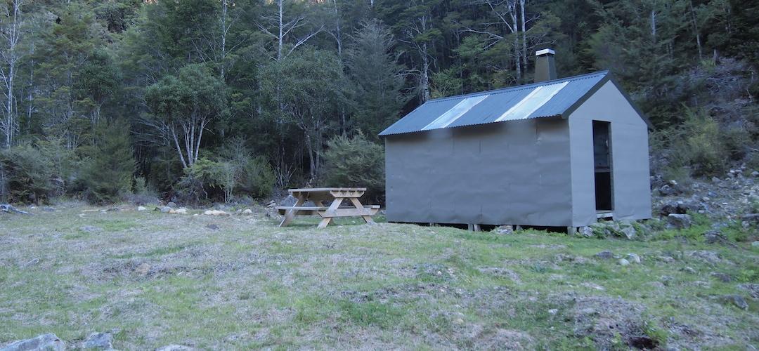 Mid Wairoa Hut, Alpine Route, Mt Richmond Forest Park